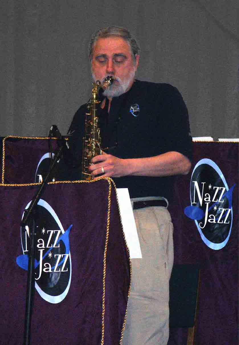 Dan Blana Soloing with Nazz Jazz Big Band - Swing 